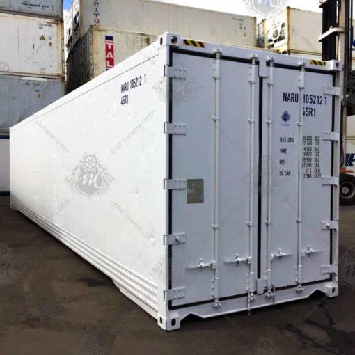 Weißer Kühlcontainer NARU 105212-1 mit geschlossenen Türen.