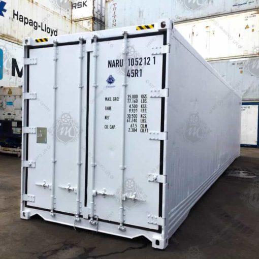 Weißer Kühlcontainer mit geschlossenen Türen NARU 105212-1.